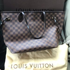 Loius Vuitton Neverfull MM Tote Bag